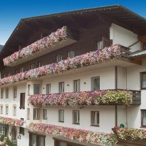 Hotel Pictures: Hotel Stern, Imst