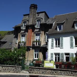 Hotel Pictures: Chambres D'Hôtes Les Garçonnières Du Sancy, Le Mont-Dore