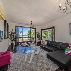 Hotellbilder: Panoramique Holiday Home With a View, Jindalee