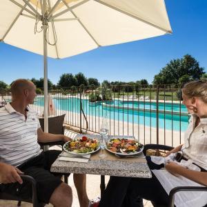 Hotel Pictures: VacancesOcamping Orangerie de Lanniron, Quimper