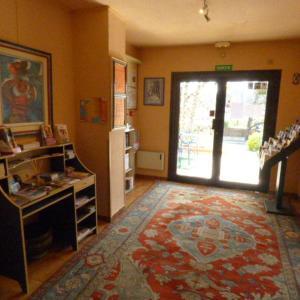 Hotel Pictures: Citotel Hôtel Louisiane, Mouans-Sartoux