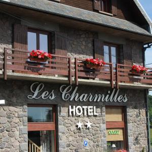 Hotel Pictures: Hôtel Les Charmilles, Besse-et-Saint-Anastaise