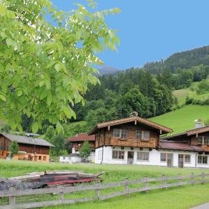 Фотографии отеля: Chalet Chalet Steiner 3, Helfenstein