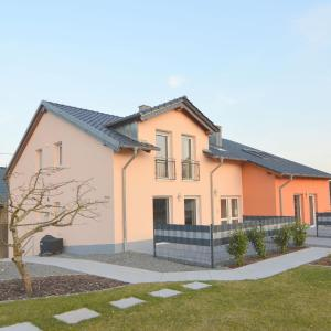 Hotelbilleder: Holiday home Antonius, Ellscheid