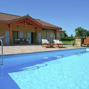 Hotel Pictures: Maison Georges, Bourrouillan