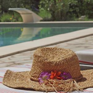 Hotel Pictures: Mas De L Argilier, Les Baux-de-Provence