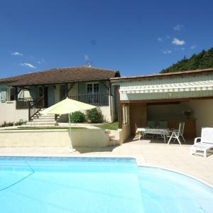 Hotel Pictures: Maison De Vacances - Belmont-Bretenoux, Saint-Céré