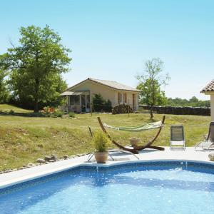 Hotel Pictures: Maison De Vacances - Gintrac, Miers