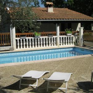 Hotel Pictures: Holiday Home Les 5 Etoiles, Trans-en-Provence