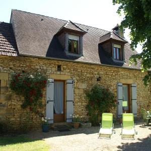 Hotel Pictures: Maison De Vacances - Prats-De-Carlux 1, Simeyrols