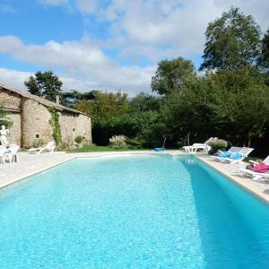 Hotel Pictures: Maison De Vacances - Alixan, Alixan