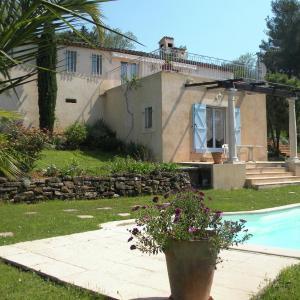 Hotel Pictures: Villa - Mouans-Sartoux, La Roquette-sur-Siagne