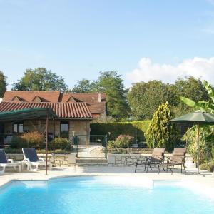 Hotel Pictures: Maison De Vacances - Montcléra, Montcléra