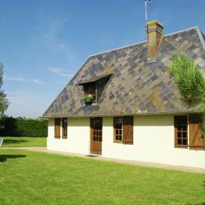 Hotel Pictures: Maison De Vacances - Morainville-Jouveaux, Morainville-près-Lieurey
