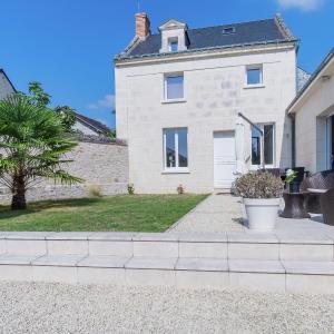 Hotel Pictures: Maison De Vacances - Beaumont-En-Véron, Beaumont-en-Véron