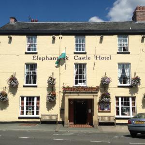 Hotel Pictures: The Elephant & Castle Hotel, Newtown
