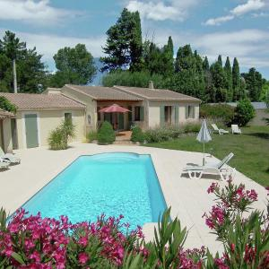Hotel Pictures: Holiday home Bellavista, Cabannes