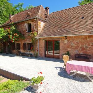 Hotel Pictures: Pierregouneix Bas, Hautefort