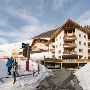 Hotel Pictures: Appartements Alpin Live, Samnaun