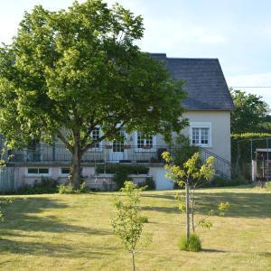 Hotel Pictures: Lyonesse, Montigny-en-Morvan