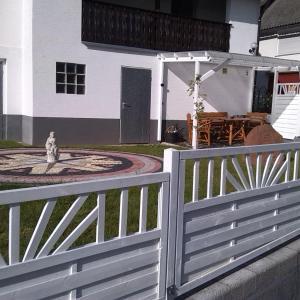 Hotel Pictures: Lennemanns, Roda