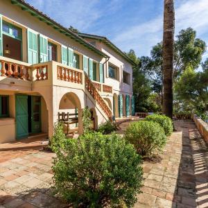 Hotel Pictures: Villa Rayol Canadel SurMer, Rayol-Canadel-sur-Mer
