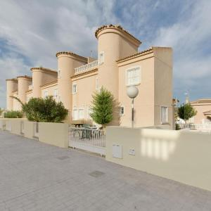 Hotel Pictures: Holiday Home Casa 224, Rojales
