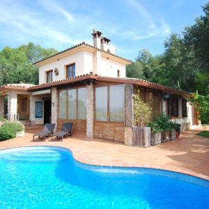 Hotel Pictures: Villa Can Fonzo I, Caulés