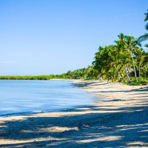 Hotel Pictures: First Landing Beach Resort & Villas, Lautoka