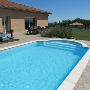 Hotel Pictures: Holiday home Villa Panorama, Thermes-Magnoac