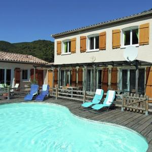 Hotel Pictures: Villa piscine nature et mer, Massac