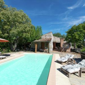 Hotel Pictures: Maison De Vacances - St Alban-Auriolles 3, Saint Alban Auriolles