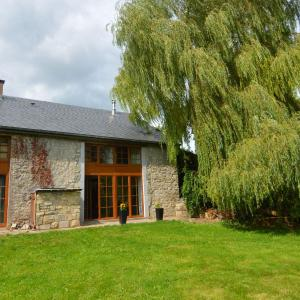 Hotel Pictures: Holiday home Bird Symphony, Durbuy
