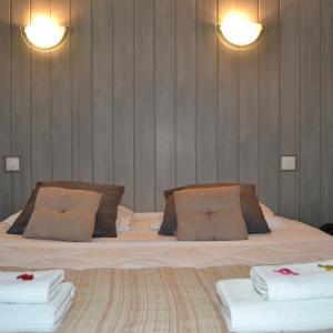 Hotel Pictures: Logis Les Parcs, Talmont