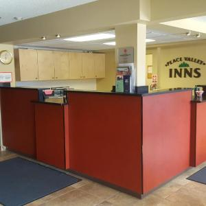 Hotel Pictures: Peace Valley Inns, Peace River