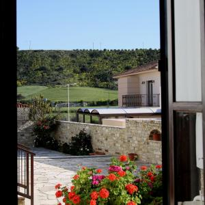Hotel Pictures: Charoullas Traditional Mansion, Alaminos