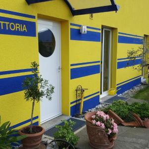 Hotel Pictures: Gambarogno B&B 6575, San Nazzaro