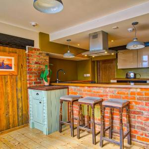 Hotel Pictures: Easton Guest House and Apartments, Costessey