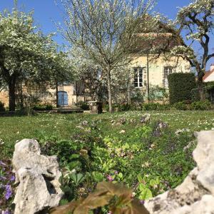 Hotel Pictures: Maison d'Hôtes Chandon de Briailles, Savigny-lès-Beaune
