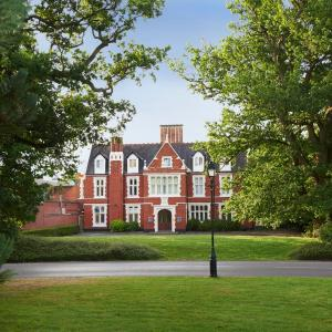 Hotel Pictures: Hilton St Annes Manor, Bracknell