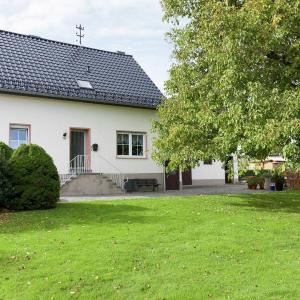 Hotel Pictures: Ferienhaus Buchwald, Üxheim