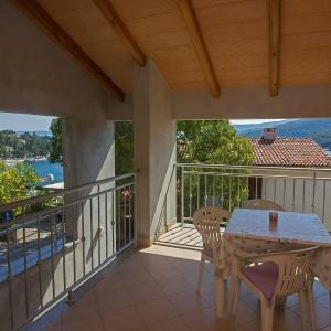 Hotel Pictures: Apartment in Rabac 16821, Rabac