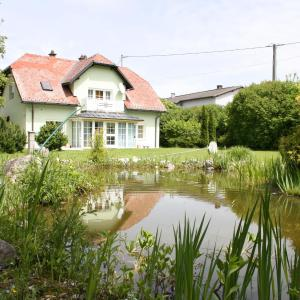 Hotel Pictures: Holiday home Erika 1, Ferlach