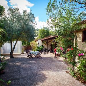 Hotel Pictures: Casa El Laurel, Moya