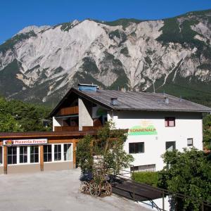 Hotel Pictures: Sonnenalp Ötztal 1, Ötztal-Bahnhof