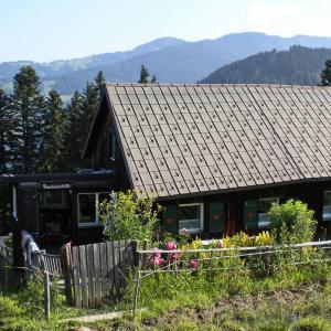 Hotel Pictures: Rundwieshütte, Laterns