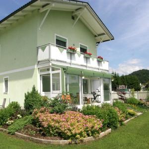 Hotel Pictures: Apartment Elisabeth 3, Eberndorf