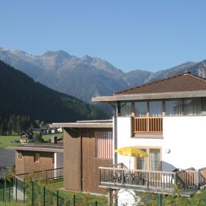 Hotelbilleder: Maisonette Am Bad, Wald im Pinzgau