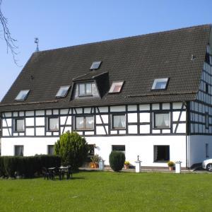 Hotelbilleder: Apartment Ferienwohnung Silbecke 1, Attendorn