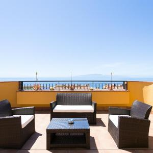 Hotel Pictures: Luxury Apartment Playa la Arena, Puerto de Santiago